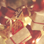 クリスマスにピッタリな女性へのプチギフト10選《1,000円以下》