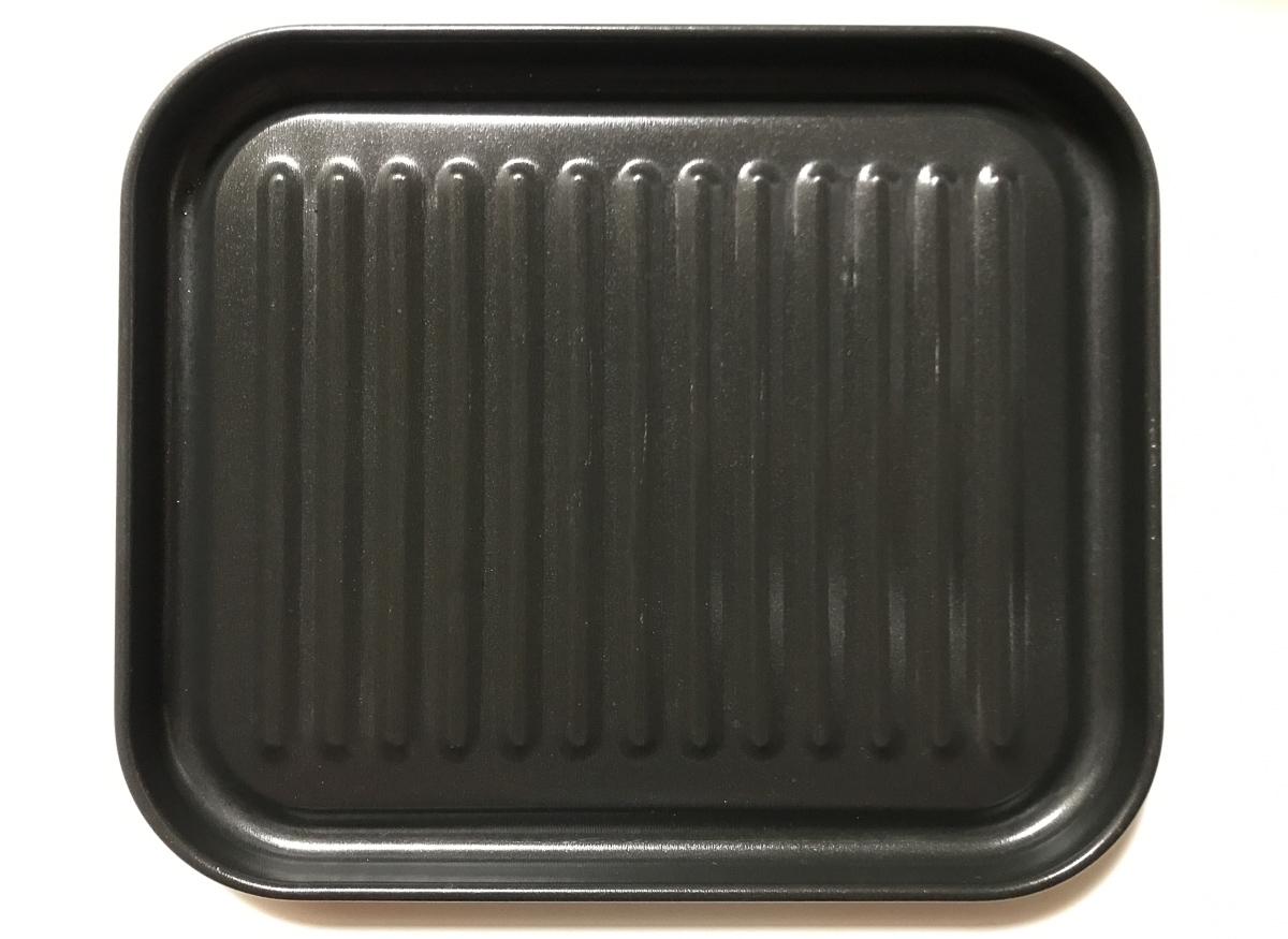 高木金属のオーブントースター・トレー 大型サイズを上から見た写真