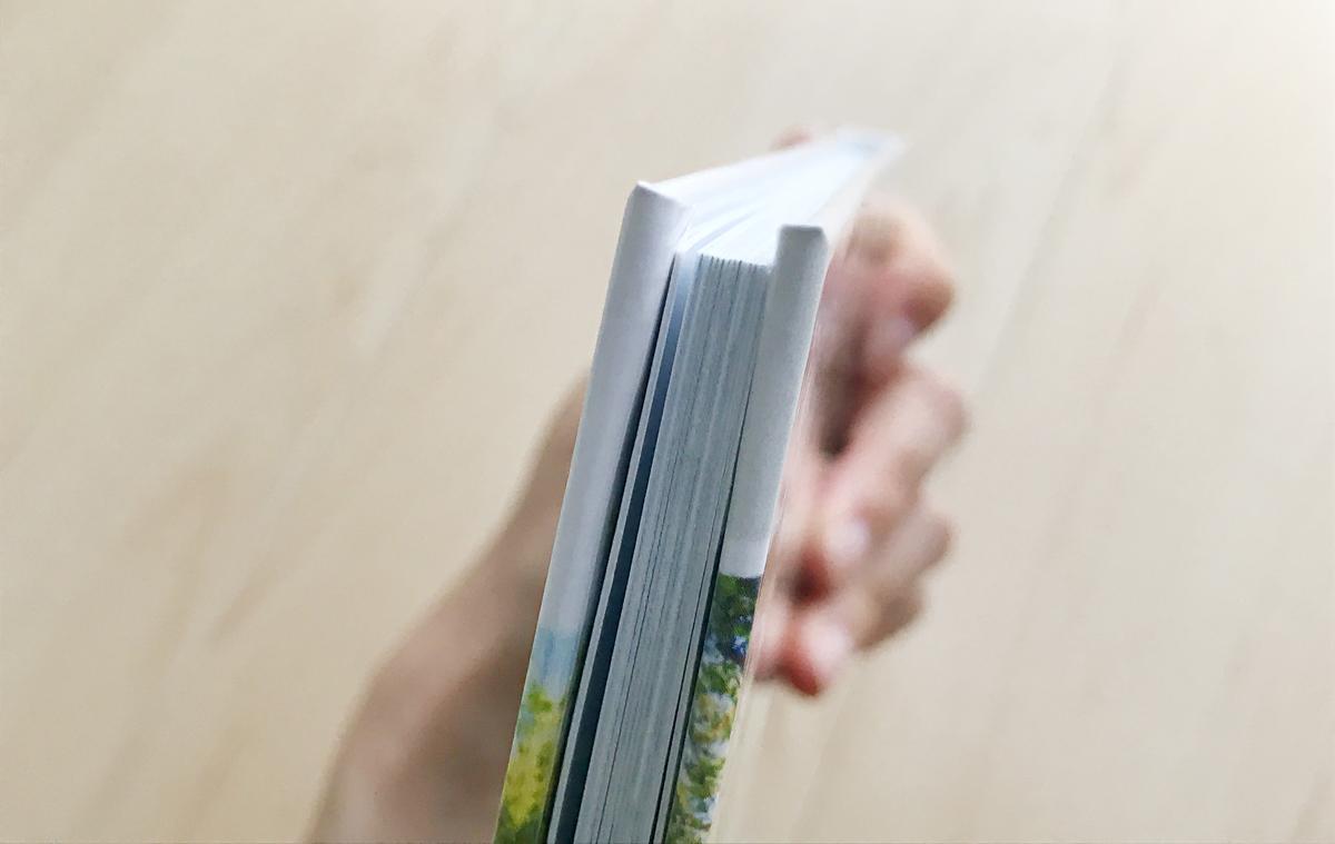 vistaprintのフルフラットフォトブックのハードカバー