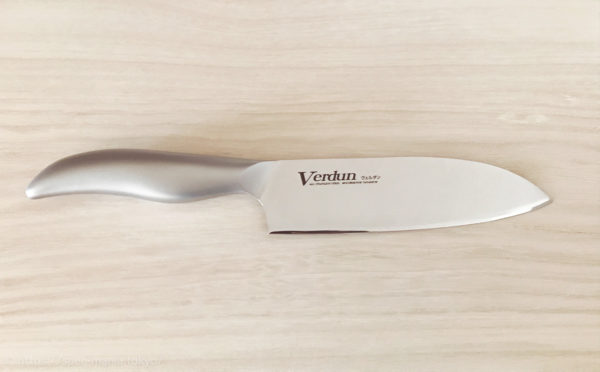 安いのに切れ味が良いヴェルダンの三徳包丁を買いました